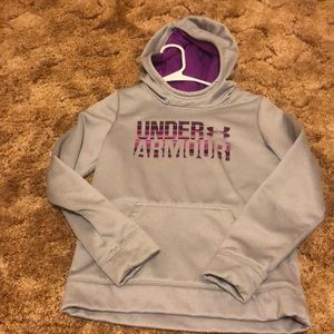 Gray and purple youth under armour sweatshirt